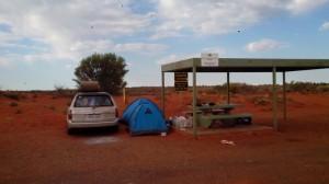 Gratis kamperen langs de weg. In australië, outback!
